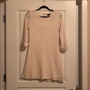 Cream lace 3/4 sleeved dress